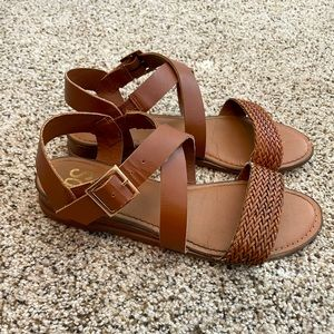 • So Sandals   size 8